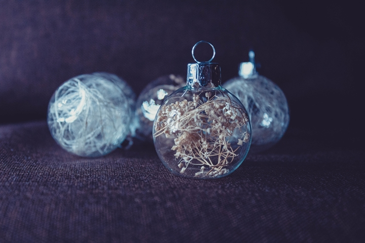 Crafternoons | Bauble Decorating